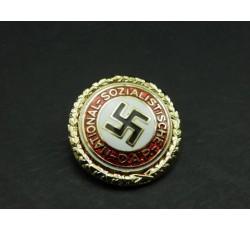 Placa Dorada del Partido Nacionalsocialista Obrero Alemán.