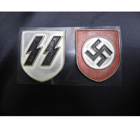 German WW2 Pith Helmet Badge Set