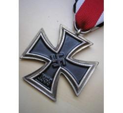 WW2 German EK2 Iron Cross 2'nd Class with Ribbon