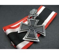 Knight's Cross with Oak Leaves